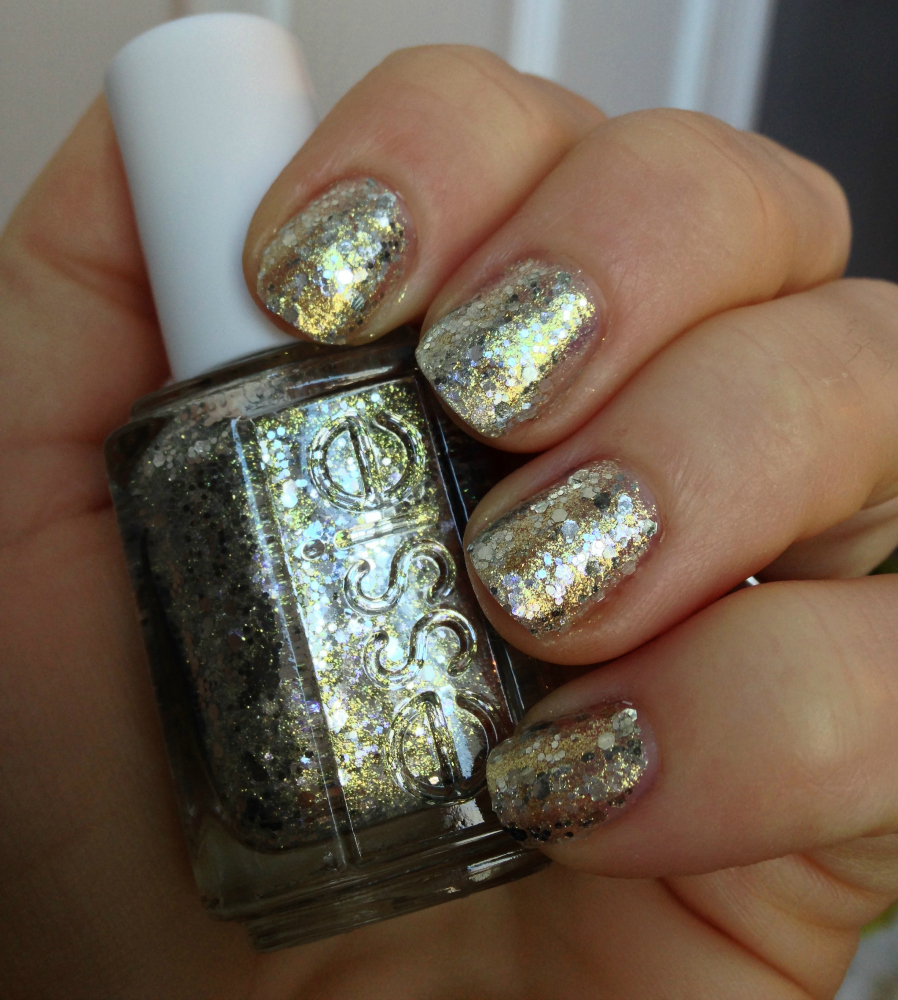 Essie Nail Polish Review/Swatches (& a giveaway) - Jolie Pagaille